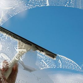 GLASS CLEAN PRO Limpia vidrios.